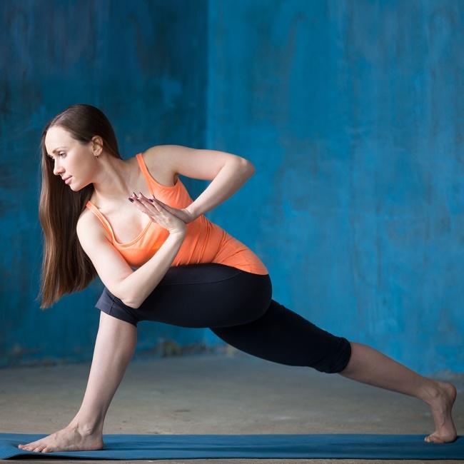 Düz bir karın için 12 yoga hareketleri 6