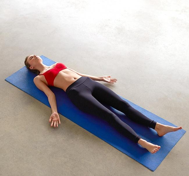 Düz bir karın için 12 yoga hareketleri 5
