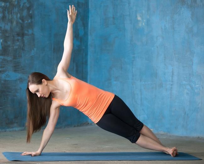 Düz bir karın için 12 yoga hareketleri 3
