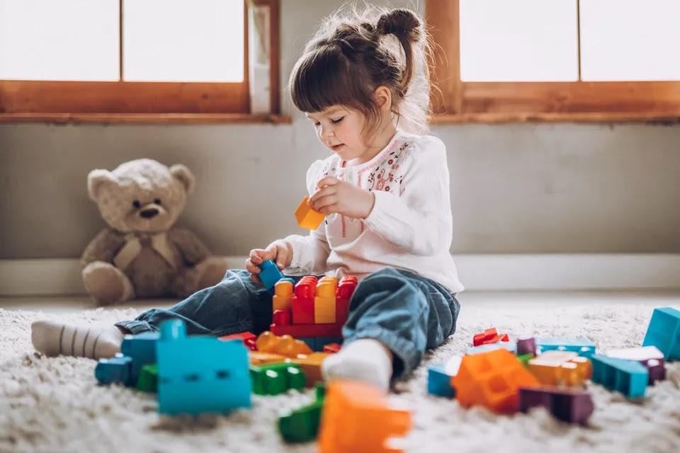 Bebekler için Oyuncak Seçimi Nasıl Yapılır