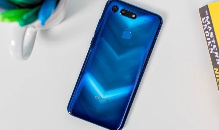 6.Honor View 20