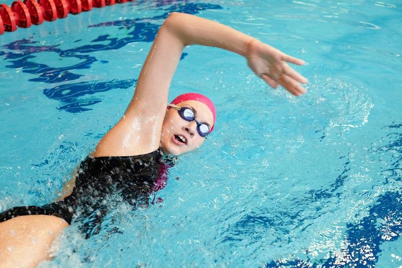 Yeni Başlayanlar için yüzme teknikleri