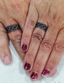 Simetrik minimal - popüler çift dövme modelleri 1