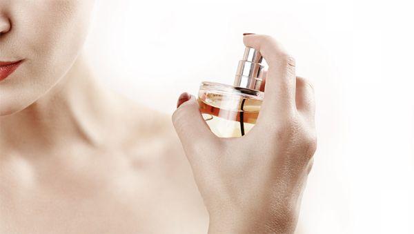 vücut-spreyi-parfüm-arasındaki-fark