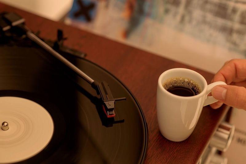 Kahve yanında dinlenecek şarkılar