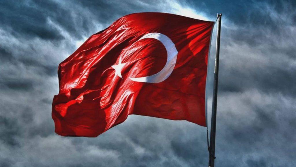 En güzel ve anlamlı Türk Bayrağı görüntüleri 3