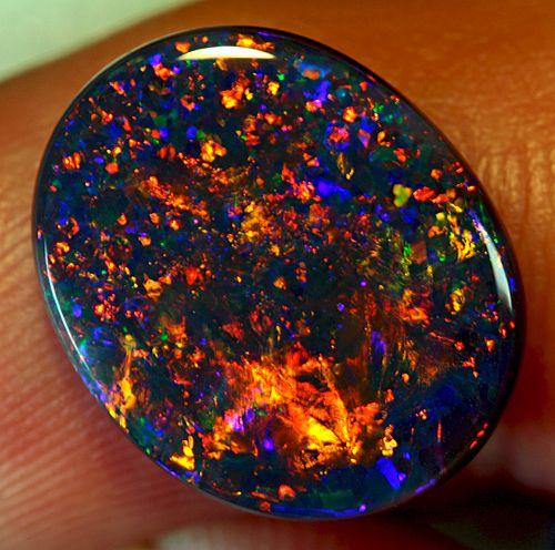opal taşı anlamı ve özellikleri