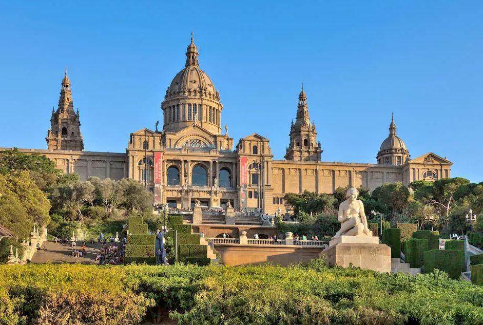 Nacional d'art de catalunya müzesi İspanya