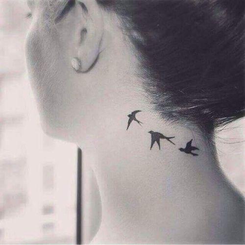 boyun kuş dövmesi